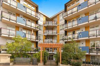 Photo 1: 403 935 Cloverdale Ave in : SE Quadra Condo for sale (Saanich East)  : MLS®# 884278