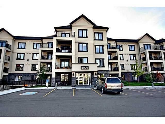 Monarch at McKenzie Towne - Fantastic location close to shops and public transportation.