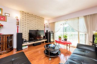 Photo 3: 4863 BALDWIN Street in Vancouver: Victoria VE House for sale (Vancouver East)  : MLS®# R2372578