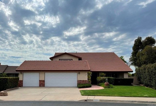 Main Photo: House for sale : 4 bedrooms : 2324 RIPPEY COURT in El Cajon