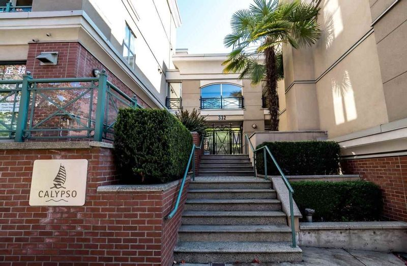 FEATURED LISTING: 129 - 332 LONSDALE Avenue North Vancouver