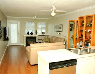 """Photo 2: 410 1591 BOOTH Avenue in Coquitlam: Maillardville Condo for sale in """"LE LAURENTIAN"""" : MLS®# V751480"""
