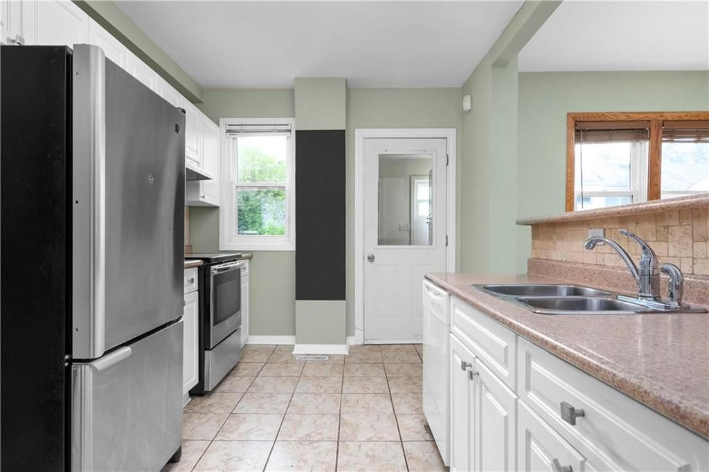 Photo 8: Photos: 778 Warsaw Avenue in Winnipeg: Residential for sale (1B)  : MLS®# 202115955