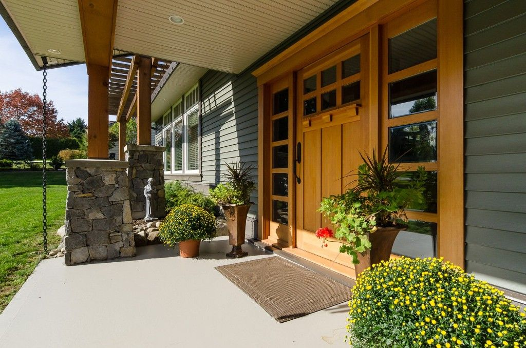Welcome to 18295 - 21A Avenue, South Surrey located near the sought-after Redwood Park area!