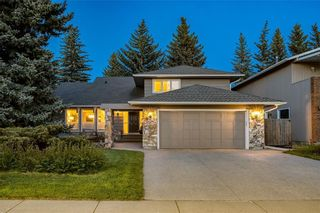 Photo 1: 974 LAKE PLACID Drive SE in Calgary: Lake Bonavista Detached for sale : MLS®# C4299089