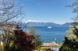 Photo 3: 1229 POINT Road in Gibsons: Gibsons & Area House for sale (Sunshine Coast)  : MLS®# R2572392
