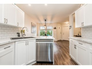 """Photo 5: 64 21928 48 AVE Avenue in Langley: Murrayville Townhouse for sale in """"Murrayville Glen"""" : MLS®# R2460485"""