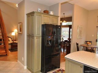 Photo 6: 911 Lakes Blvd in FRENCH CREEK: PQ French Creek Row/Townhouse for sale (Parksville/Qualicum)  : MLS®# 626665