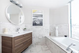 """Photo 14: 1401 120 W 2ND Street in North Vancouver: Lower Lonsdale Condo for sale in """"The Observatory"""" : MLS®# R2526275"""