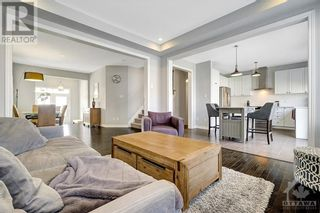 Photo 5: 137 FLOWING CREEK CIRCLE in Ottawa: House for sale : MLS®# 1265124
