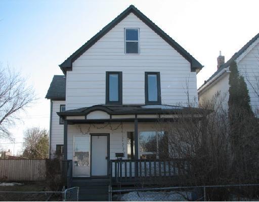 Main Photo: 724 STELLA Avenue in WINNIPEG: North End Residential for sale (North West Winnipeg)  : MLS®# 2805426