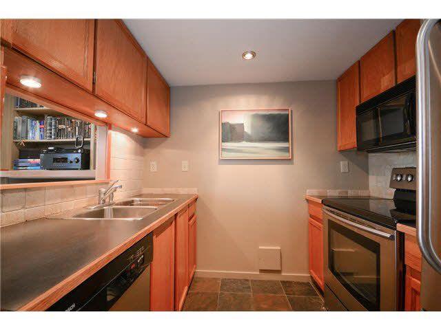 "Photo 4: Photos: 102 3626 W 28TH Avenue in Vancouver: Dunbar Condo for sale in ""Castle Gardens"" (Vancouver West)  : MLS®# V1121831"