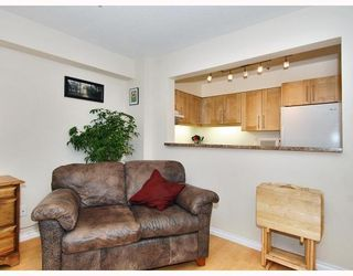 """Photo 4: 102 1525 PENDRELL Street in Vancouver: West End VW Condo for sale in """"CHARLOTTE GARDENS"""" (Vancouver West)  : MLS®# V754405"""