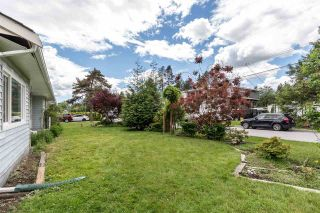 """Photo 3: 3872 ST. THOMAS Street in Port Coquitlam: Lincoln Park PQ House for sale in """"LINCOLN PARK"""" : MLS®# R2588413"""
