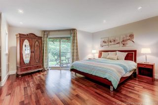 """Photo 10: 7720 TEAKWOOD Place in Vancouver: Champlain Heights Townhouse for sale in """"WOODLANDS"""" (Vancouver East)  : MLS®# R2173091"""