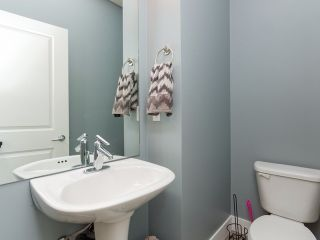 """Photo 8: 9 20120 68 Avenue in Langley: Willoughby Heights Townhouse for sale in """"The Oaks"""" : MLS®# F1443428"""