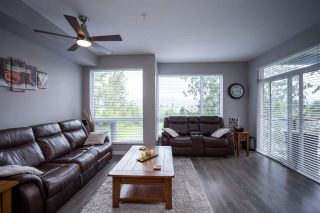 """Photo 17: 301 2238 WHATCOM Road in Abbotsford: Abbotsford East Condo for sale in """"WATERLEAF"""" : MLS®# R2492483"""