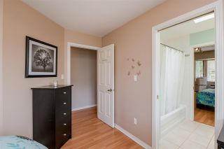 """Photo 11: 7 1828 LILAC Drive in Surrey: King George Corridor Townhouse for sale in """"Lilac Green"""" (South Surrey White Rock)  : MLS®# R2391831"""