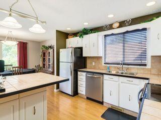 Photo 3: 87 CEDARBROOK Way SW in Calgary: Cedarbrae House for sale : MLS®# C4126859