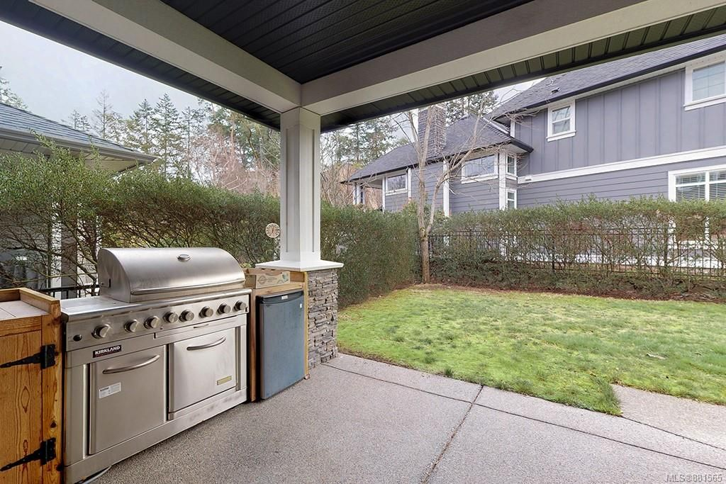 Photo 17: Photos: 990 Arngask Ave in : La Bear Mountain House for sale (Langford)  : MLS®# 881565