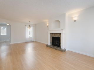Photo 2: 2 10121 Fifth St in : Si Sidney North-East Row/Townhouse for sale (Sidney)  : MLS®# 873973