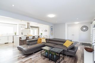 Photo 4: 56 Brentwood Avenue in Winnipeg: South St Vital Residential for sale (2M)  : MLS®# 202103614
