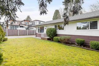 Photo 2: 9572 125 Street in Surrey: Queen Mary Park Surrey House for sale : MLS®# R2536790