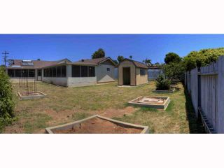 Photo 15: OCEANSIDE House for sale : 5 bedrooms : 2105 Maxson