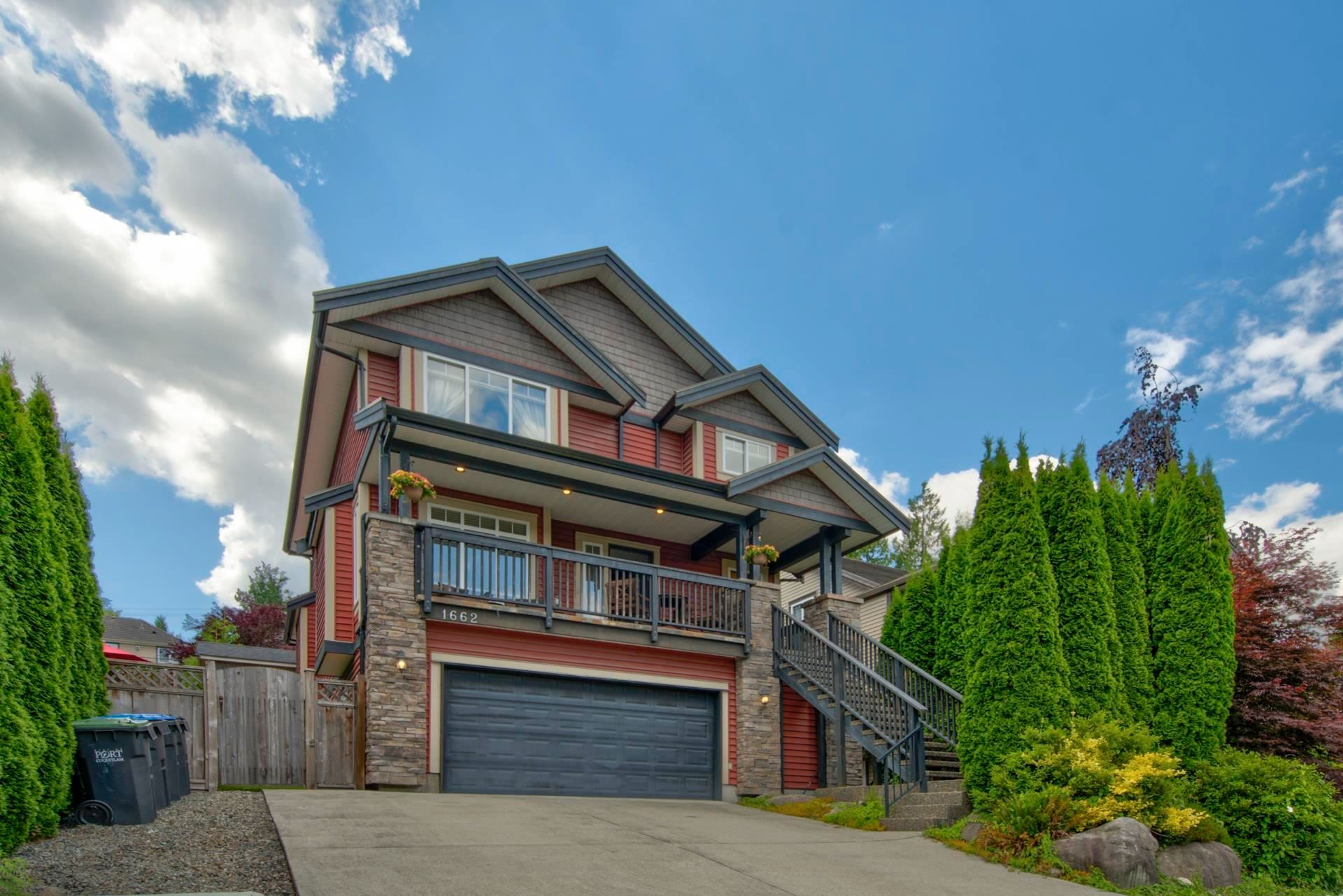 """Photo 2: Photos: 1662 KNAPPEN Street in Port Coquitlam: Lower Mary Hill House for sale in """"Knappen Gardens"""" : MLS®# R2593877"""