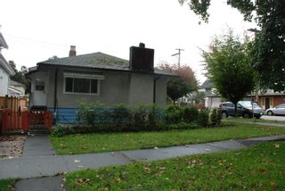 Photo 3: 2607 E 38TH Avenue in Vancouver: Collingwood VE House for sale (Vancouver East)  : MLS®# R2622877