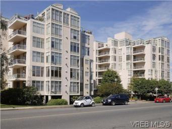 Main Photo: 330 188 Douglas St in VICTORIA: Vi James Bay Condo for sale (Victoria)  : MLS®# 549562
