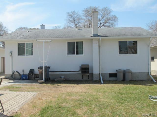 Photo 5: Photos:  in WINNIPEG: North Kildonan Residential for sale (North East Winnipeg)  : MLS®# 1511206