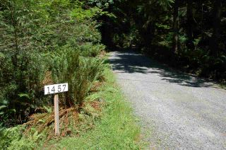 Photo 2: 1457 WOODS ROAD: Bowen Island House for sale : MLS®# R2186060