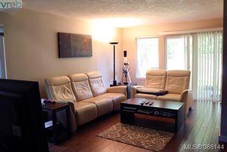 Photo 2: 12 2669 Shelbourne St in VICTORIA: Vi Jubilee Row/Townhouse for sale (Victoria)  : MLS®# 775944