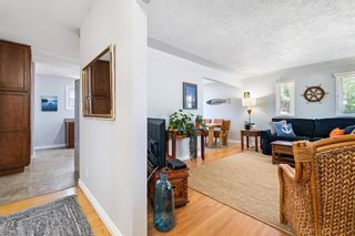 Photo 11: 580 Northmount Drive NW in Calgary: Cambrian Heights Detached for sale : MLS®# A1126069