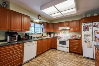 """Photo 10: 5874 123A Street in Surrey: Panorama Ridge House for sale in """"BOUNDARY PARK"""" : MLS®# R2591768"""