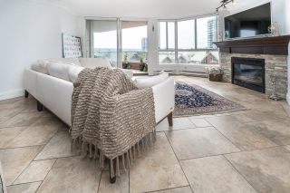 """Photo 10: 701 1235 QUAYSIDE Drive in New Westminster: Quay Condo for sale in """"RIVIERA TOWER"""" : MLS®# R2611498"""