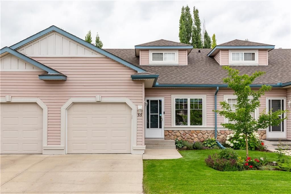 Welcome home to 55 Chaparral Pointe SE! Clean and well maintained Bungalow Villa home in an Adults only (18+) Complex.