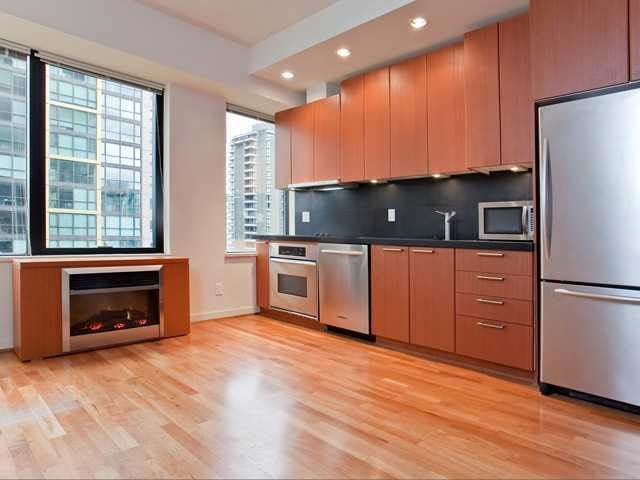"""Main Photo: 710 1333 W GEORGIA Street in Vancouver: Coal Harbour Condo for sale in """"THE QUBE"""" (Vancouver West)  : MLS®# R2420548"""