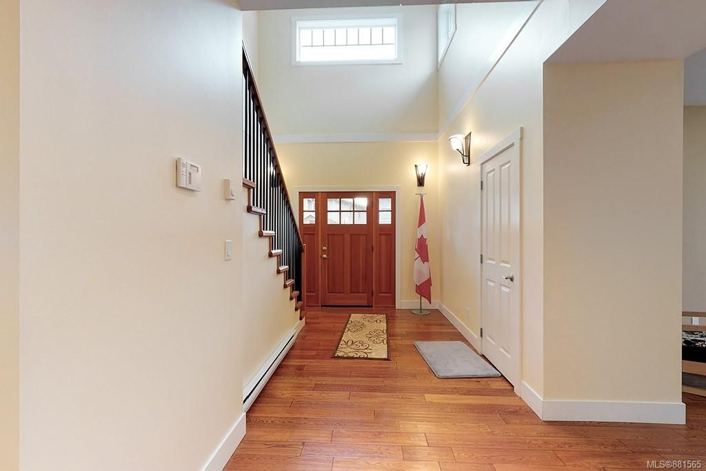 Photo 3: Photos: 990 Arngask Ave in : La Bear Mountain House for sale (Langford)  : MLS®# 881565