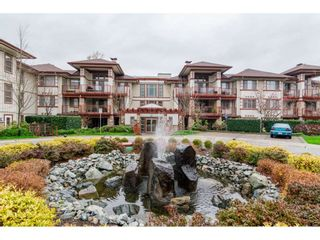 """Photo 1: 204 16433 64 Avenue in Surrey: Cloverdale BC Condo for sale in """"St. Andrews"""" (Cloverdale)  : MLS®# R2123466"""