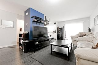 Photo 2: 53 EVERSYDE Point SW in Calgary: Evergreen Row/Townhouse for sale : MLS®# C4201757