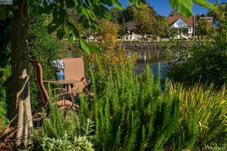 Photo 3: 944 Rankin Rd in VICTORIA: Es Kinsmen Park House for sale (Esquimalt)  : MLS®# 645208