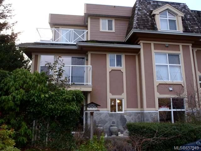 Main Photo: 103 750 Memorial Ave in QUALICUM BEACH: PQ Qualicum Beach Condo for sale (Parksville/Qualicum)  : MLS®# 657949