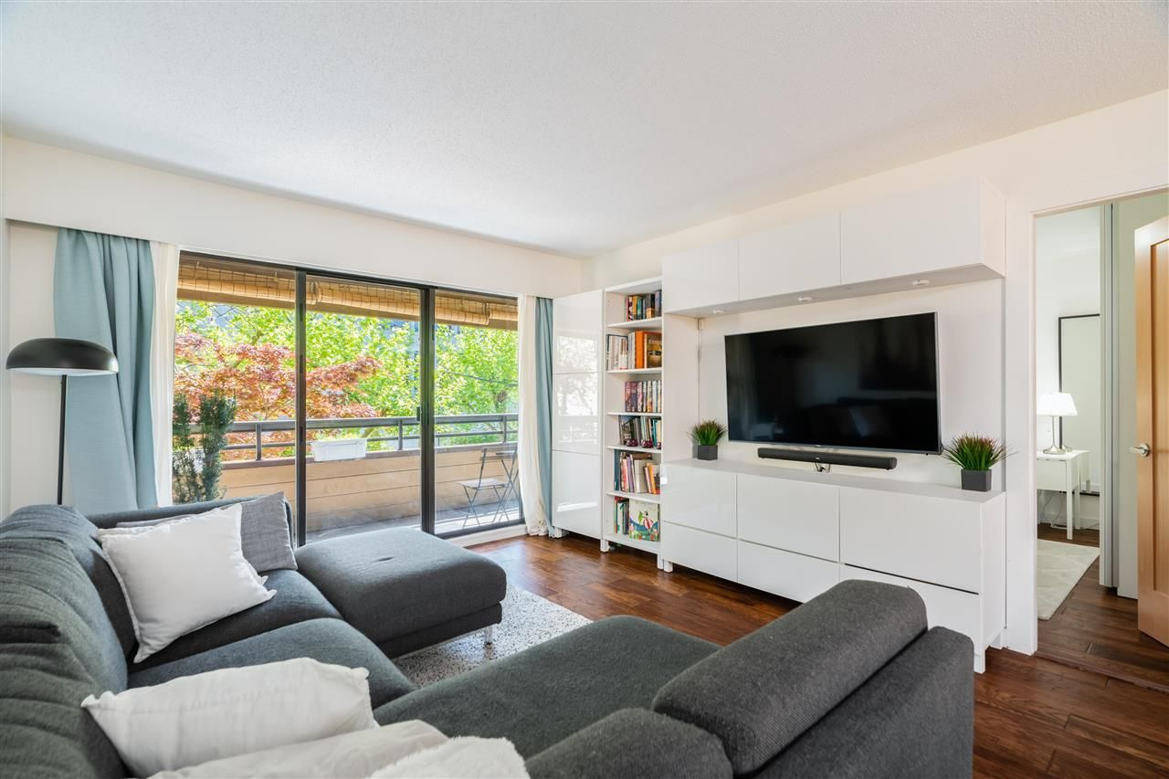 Main Photo: 307 2424 CYPRESS STREET in Vancouver: Kitsilano Condo for sale (Vancouver West)  : MLS®# R2580066