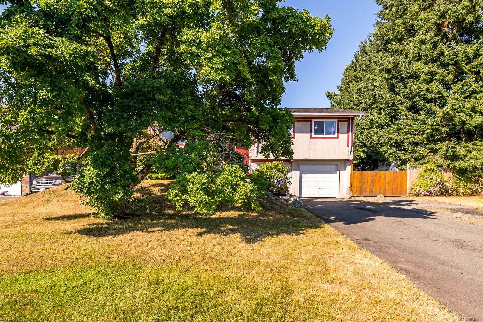 Photo 21: Photos: 1935 Fitzgerald Ave in : CV Courtenay City House for sale (Comox Valley)  : MLS®# 881994