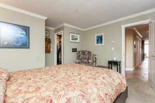 """Photo 24: 307 15941 MARINE Drive: White Rock Condo for sale in """"THE HERITAGE"""" (South Surrey White Rock)  : MLS®# R2408083"""