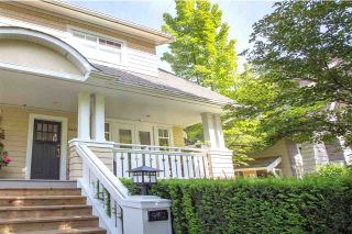 "Photo 1: 5412 LARCH Street in Vancouver: Kerrisdale Townhouse for sale in ""LARCHWOOD"" (Vancouver West)  : MLS®# R2466772"