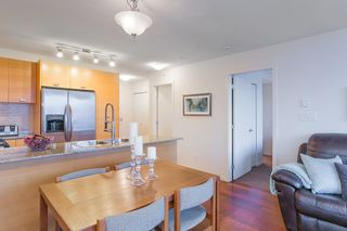 "Photo 10: 802 2483 SPRUCE Street in Vancouver: Fairview VW Condo for sale in ""Skyline"" (Vancouver West)  : MLS®# R2151780"