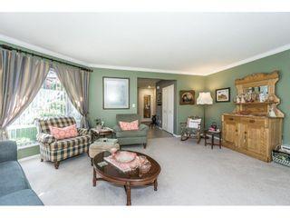 Photo 6: 9237 203B Street in Langley: Walnut Grove House for sale : MLS®# R2273639